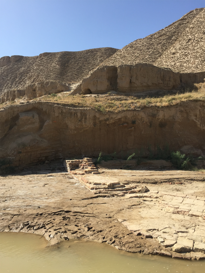 Where the wall crossed the river at Gokche – the sands have shifted hugely over time, with the dunes now dwarfing the wall itself.