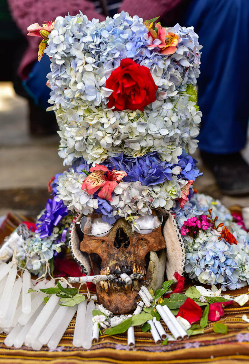 The skull of Manuel Chipon, who died at the age of 92, is now owned by his son Juan as a natita.