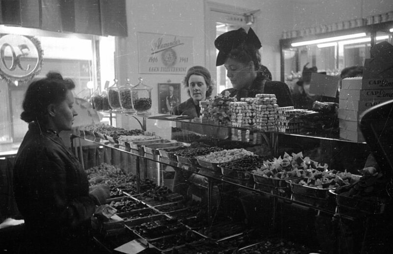 A customer in a candy store in Stockholm, 1946.