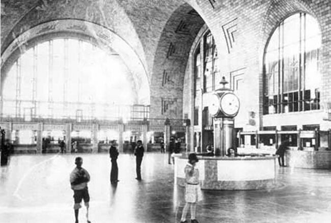 An archival photo of the terminal.