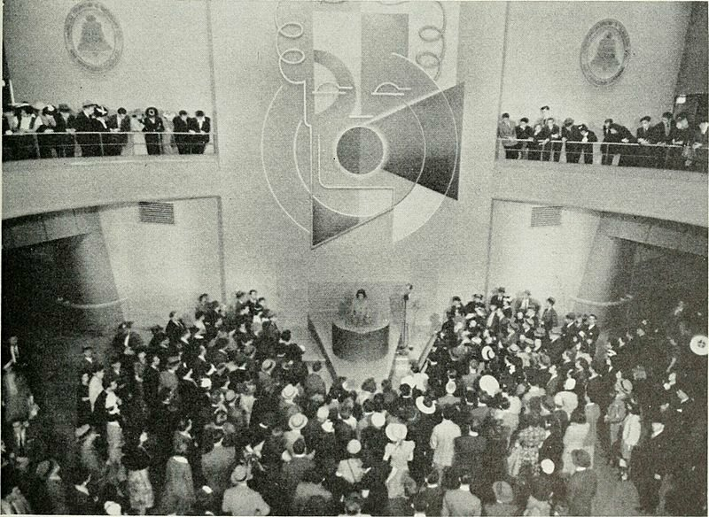 The crowd at the 1939 Bell Labs presentation.
