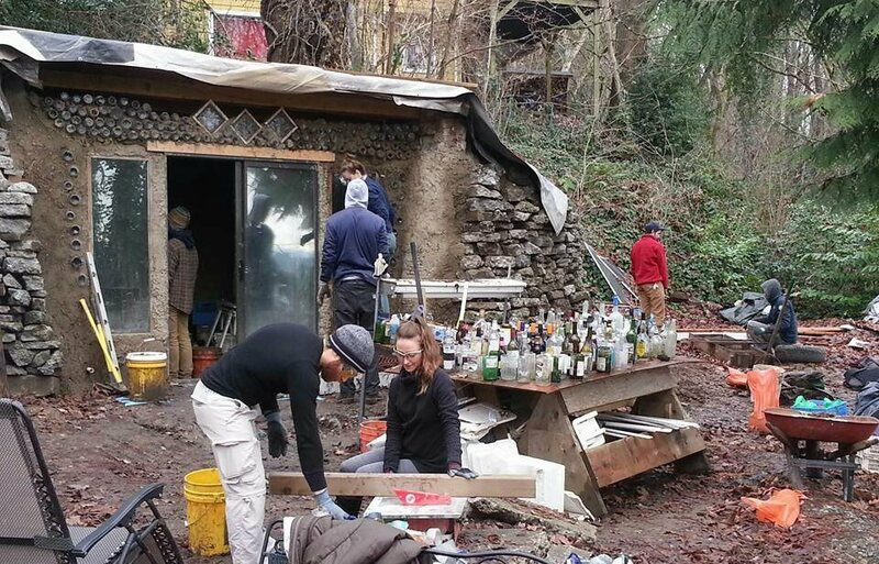The Trash Studio, a construction project featuring Earthship architecture.