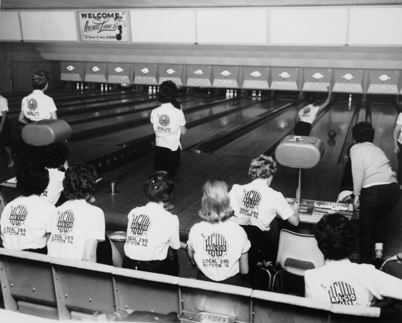 Women bowling in 1963 who presumably (?) are not undercover.
