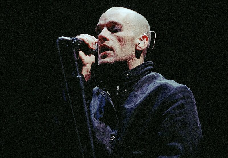 Michael Stipe performing with R.E.M. in Atlanta in November 1995.