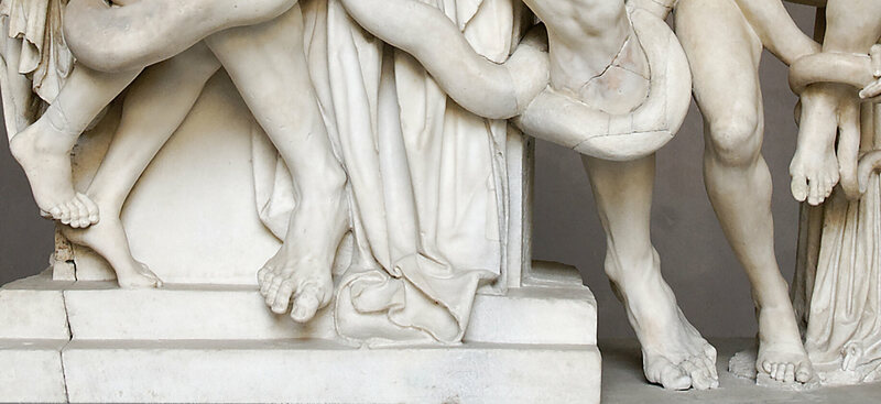 Long second toes on display in an ancient Greek sculpture, <em>Laocoön and his sons</em>.