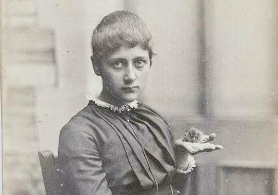 A teenage Beatrix Potter and her pet mouse, Xarifa, in 1885.