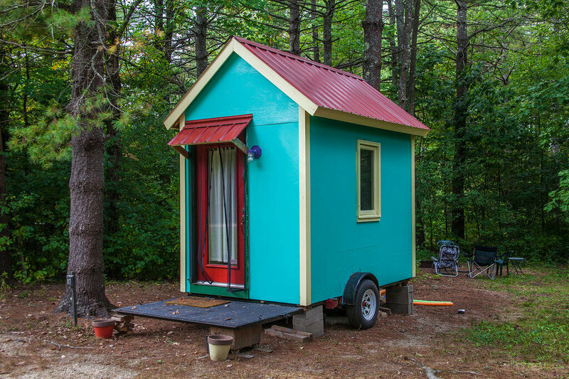 lisa stubblefield has a tiny store on wheels known as the tiny fashion house she brings it to events to promote her brick and mortar clothing store - A Tiny House