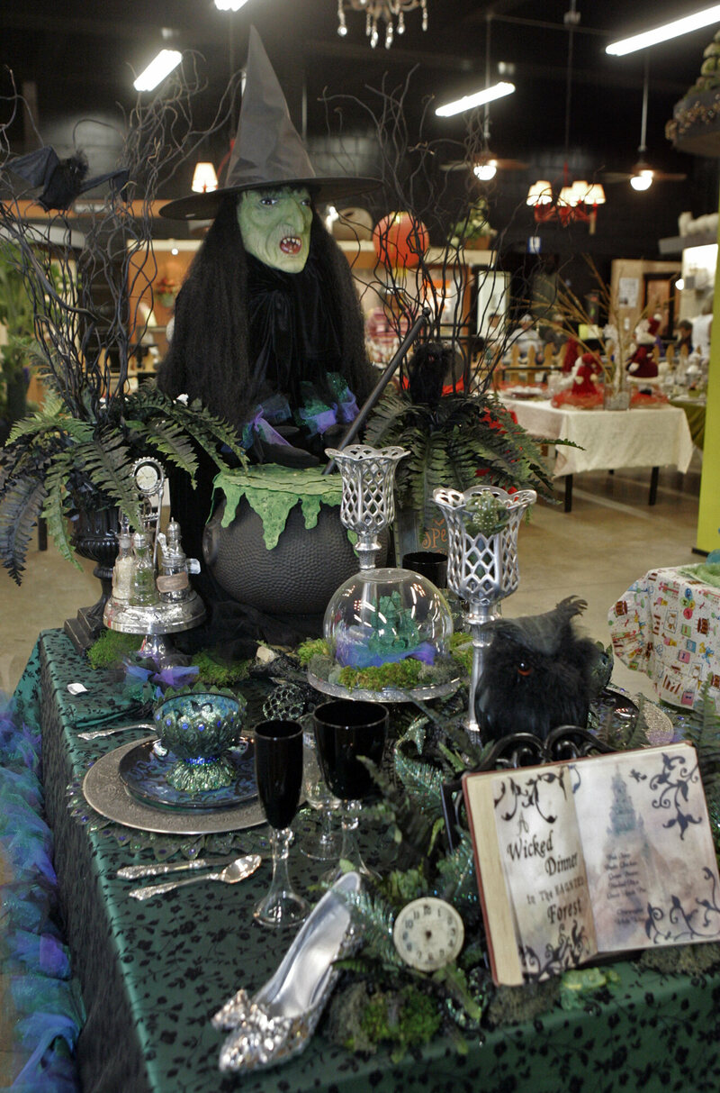 Bonnie Overman's <em>Wicked</em> tablescape.