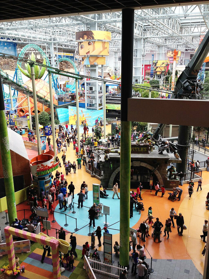 The battle for the crown of americas best shopping mall atlas a massive recreation area at the mall of america photo runner1928wikicommons cc by sa 30 jameslax Images