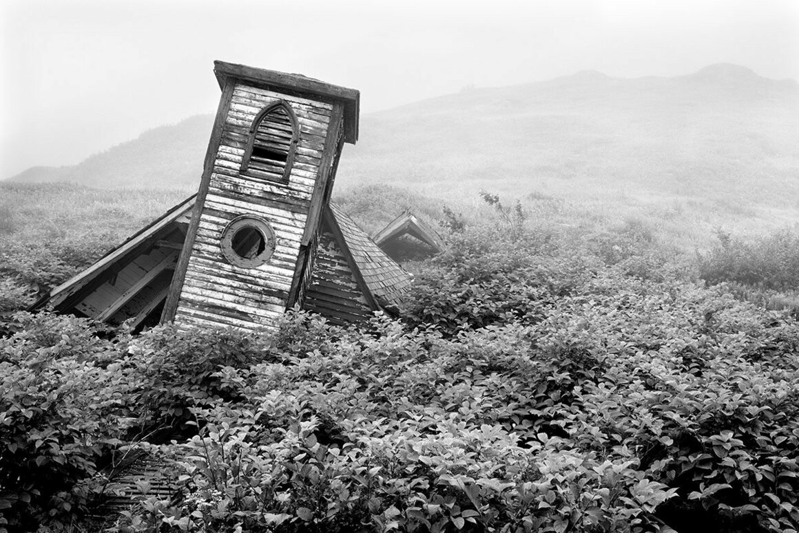 Photographer Scott Walden's image of the remains of a church,  <em>Unsettled #6</em> 1999, Parsons Harbour, South-West Coast.