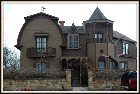 Munster Mansion Waxahachie Texas Atlas Obscura