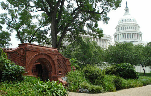 The Relationship Of Summerhouse To The Capitol Liz Guthrie