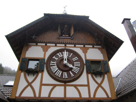 the biggest cuckoo clock in the world katerina and vassilis lastcc bynd 20