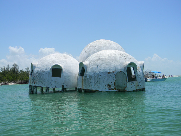Cape romano dome house marco island florida atlas obscura for Dome house in japan