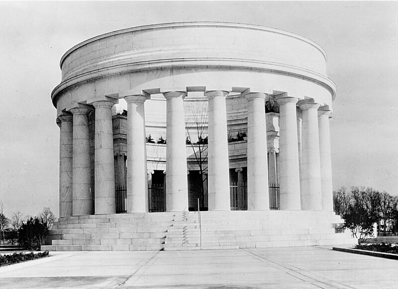 Harding's tomb, also in Marion, Ohio, looks suspiciously like his front porch. (Image: Library of Congress)