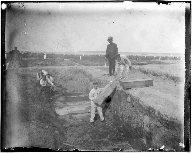 Jacob Riis' photograph of a trench at the potter's field on Hart Island, circa 1890