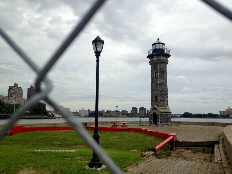 Roosevelt Island Lighthouse - Atlas Obscura