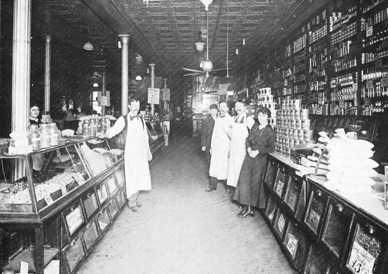 An independent grocery store in 1920.