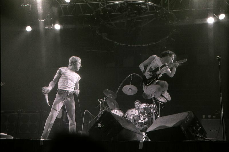 A Brief History of Rock Stars Destroying Guitars - Atlas Obscura