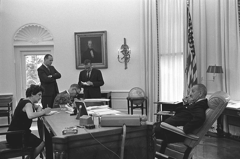 Lbj Oval Office FileOval Office LBJ 2jpg Lbj Oval Y Iwooco