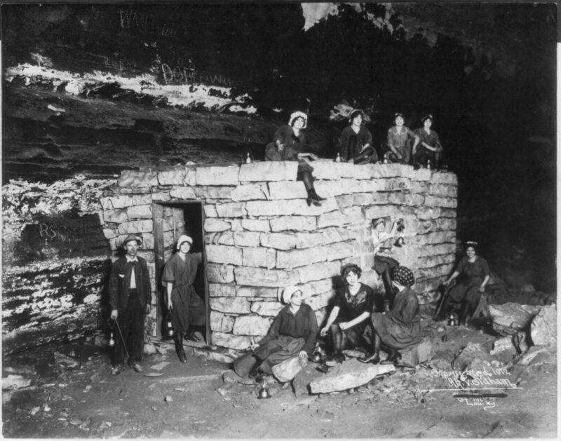 Consumptive's Room, Mammoth Cave, Kentucky. (Photo: Library of Congress/LC-USZ62-64952) A TOURIST VISITING MAMMOTH CA
