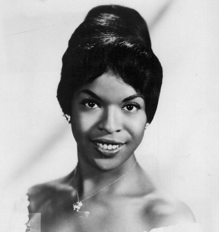 Decades Before Oprah, Della Reese Was The First Black -4738