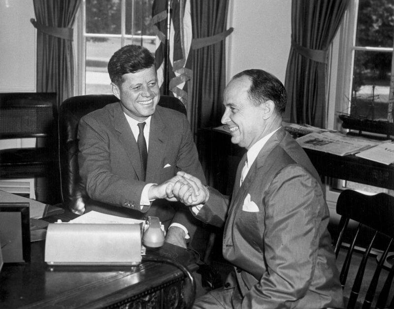 The Strange World of Political Handshakes - Atlas Obscura