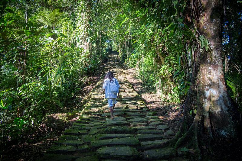 Moss fedett lépcsők vezetnek az elveszett városhoz, mely 650 évvel Machu Picchu előtt épült.