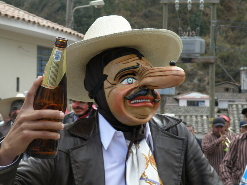 The majeño represent merchants who come to sell alcohol and spirits to Paucartambo. They enter on horses and are always seen with a drink on their hand.