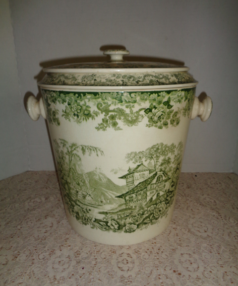 English minton chamber pot.