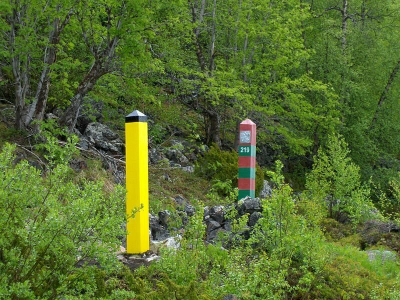 A more recent photo of the Norway-Russian border.