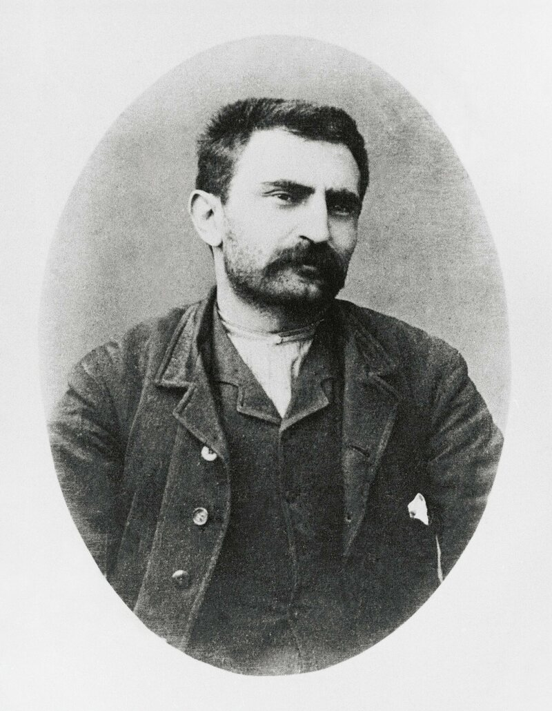 Errico Malatesta drafted the union principles of the Cosmopolitan Society of Resistance and Placement of Bakery Workers.