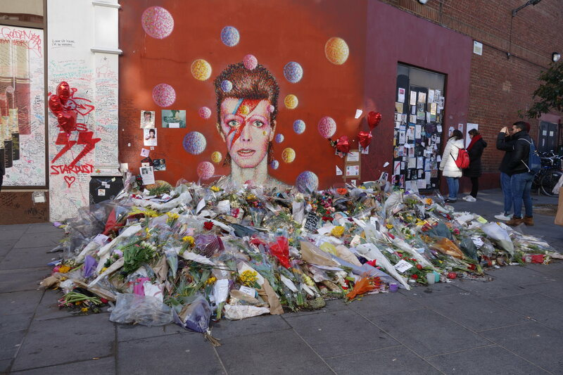 The David Bowie Mural at Tunstall Road in Brixton, just after its subject's death.
