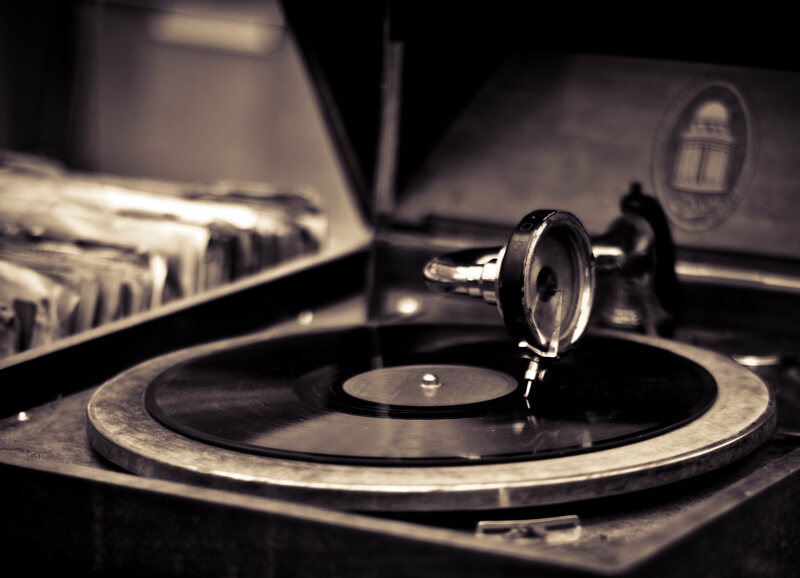 A gramophone playing a 78.