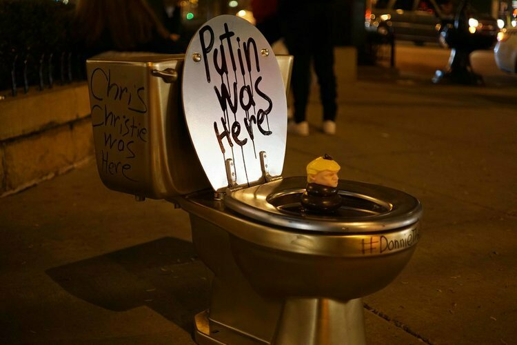 gold toilet. A Birch Reincliff toilet in Chicago  The Battle of the Golden Toilets Atlas Obscura