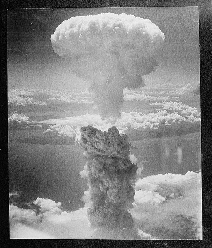 The atomic bomb test at Bikini Atoll, 1940.