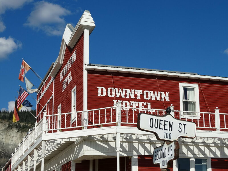 The Downtown Hotel, site of the theft.
