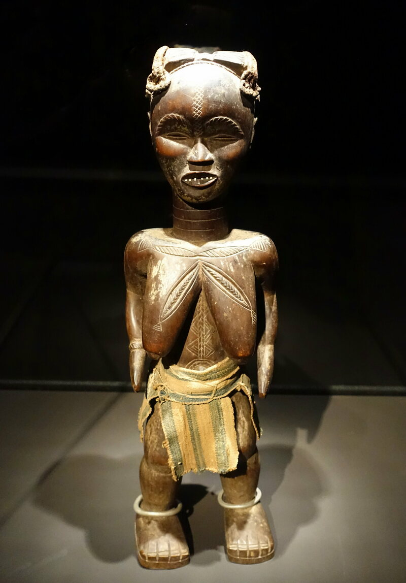 This wooden figure, on display in the Ethnological Museum in Berlin, shows Zan, a wife of the Krai chief.
