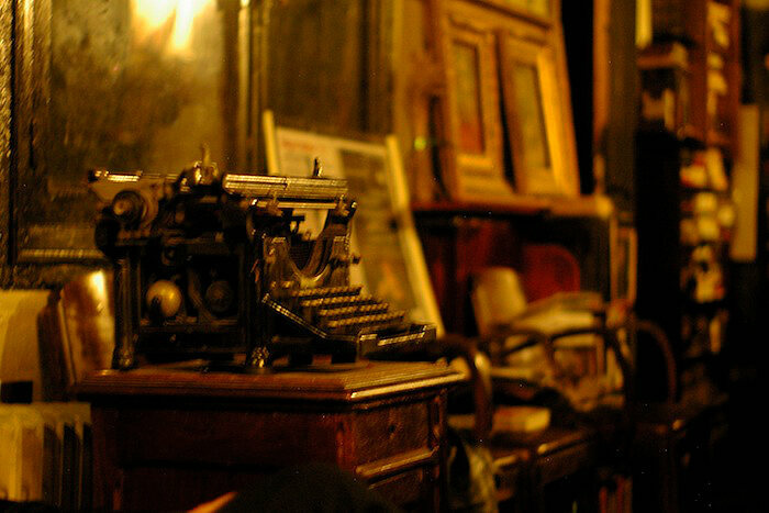 Bram Stoker's typewriter in the Vampire Museum in Paris