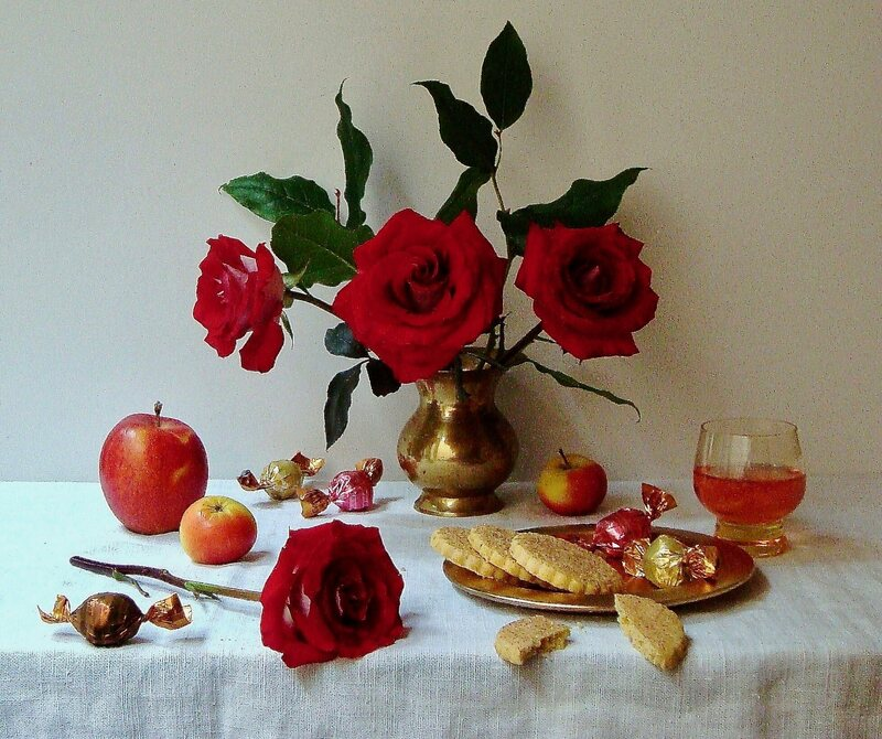 A sweet spread, replete with roses.