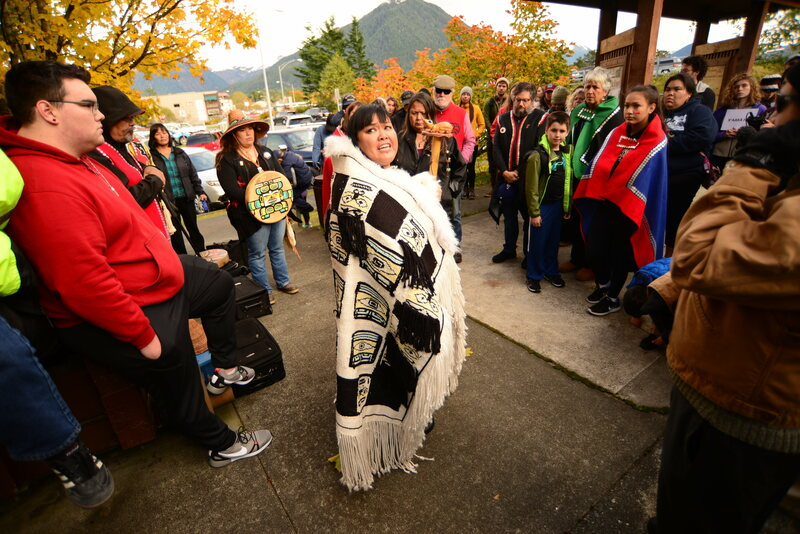 For the first time on Alaska Day, the Kiks.ádi clan held a separate commemoration at the base of Noow Tlein.