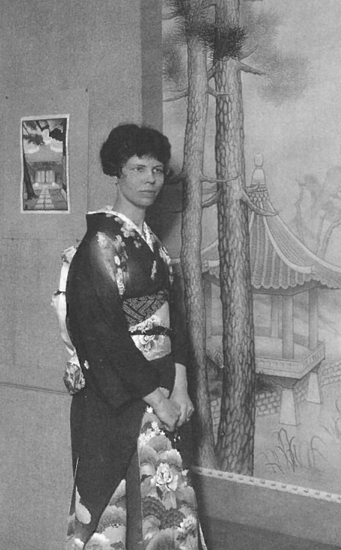 Lilian Miller, dressed in a kimono in America in the early 1930s (<em>Vassar Quarterly</em>, 1932.)