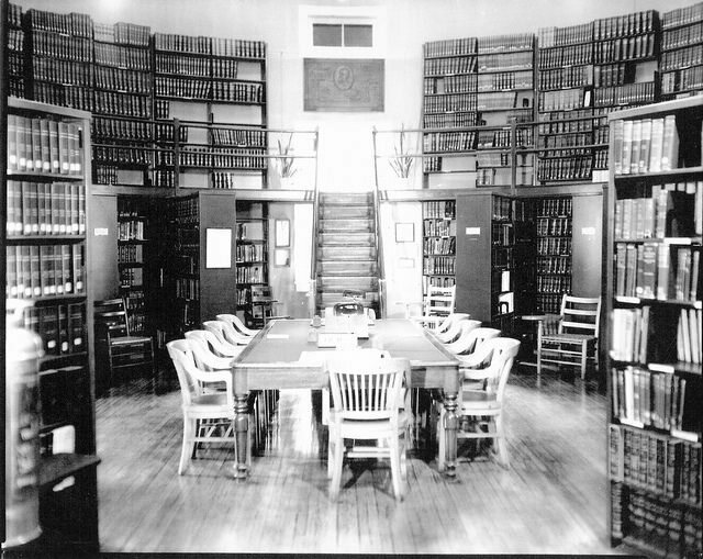 A Navy medical library, 1902.