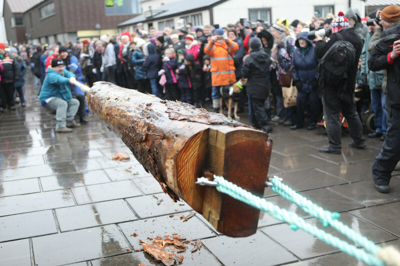 Say hello to the Stromness Yule Log!