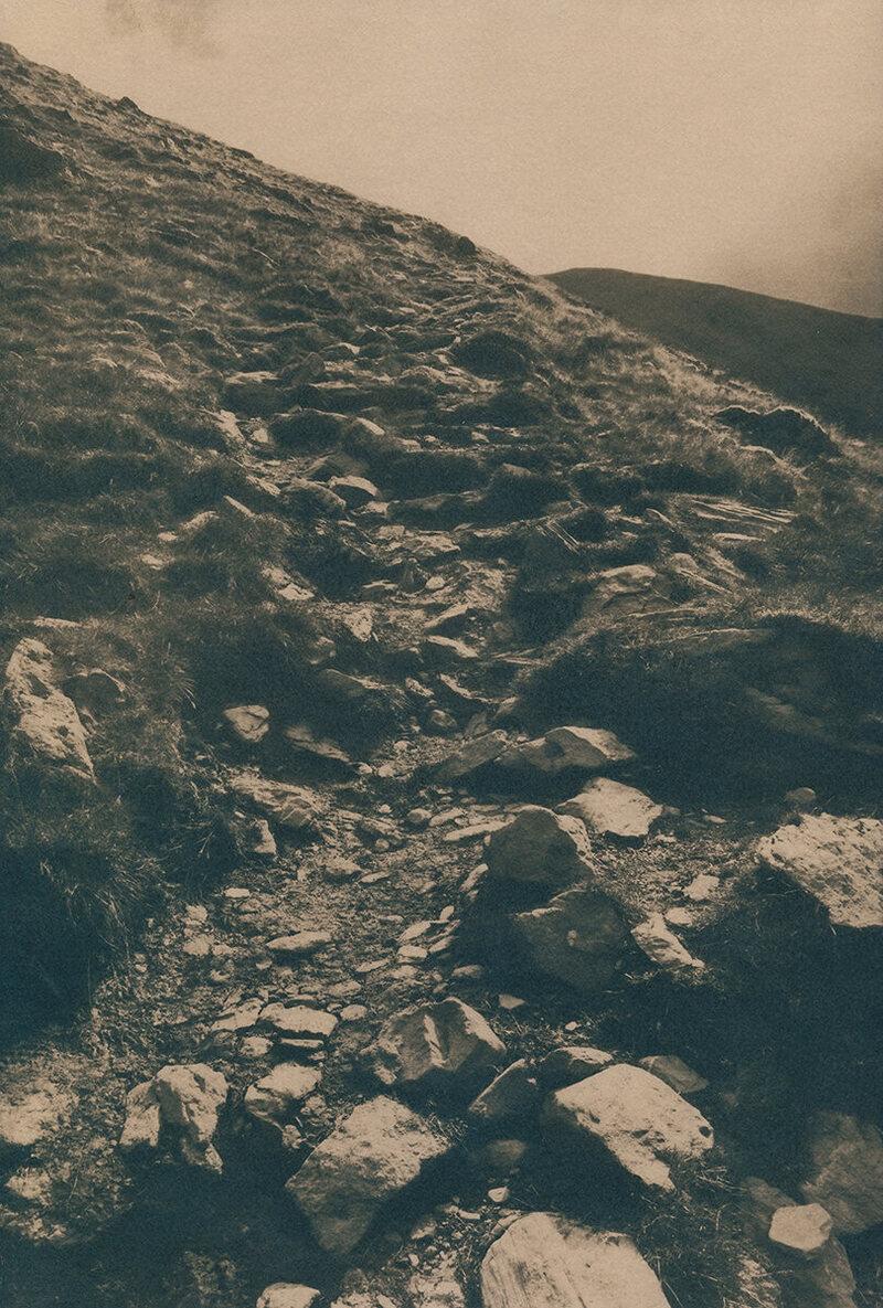 Cnoc Na Toinne Mass Path.