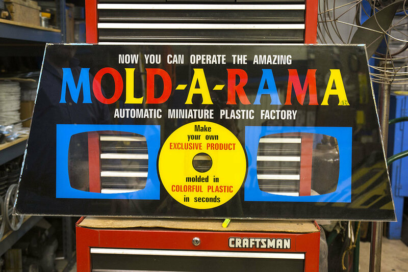 Meet the People Keeping Mold-A-Rama Alive - Atlas Obscura