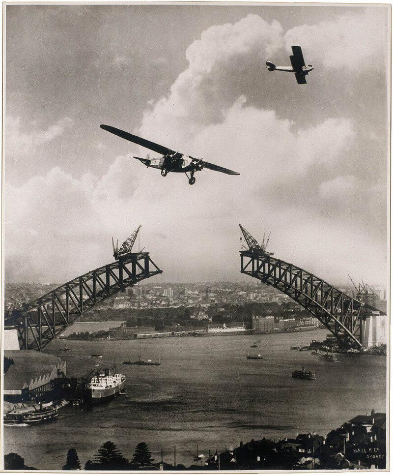 Edward Seale's 1930 photograph of the Sydney Harbor Bridge under construction.