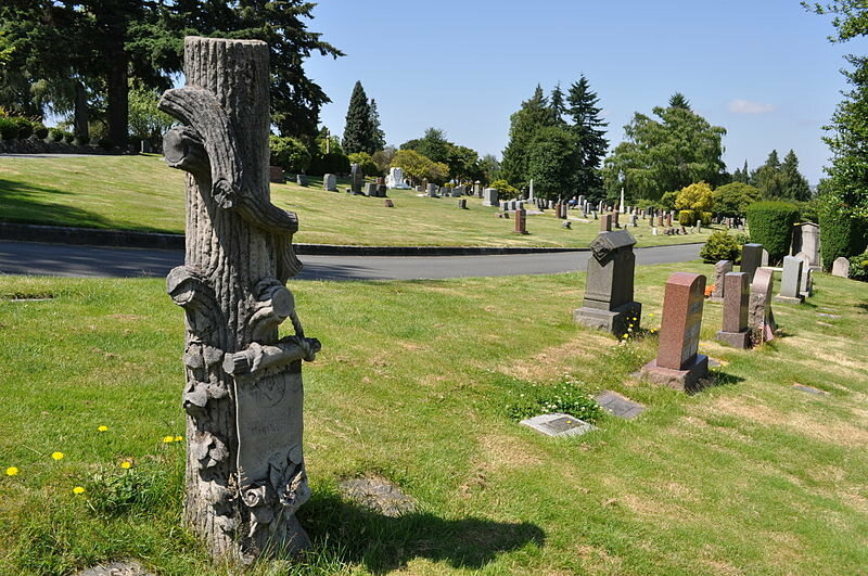 Why Some Gravestones Are Shaped Like Tree Stumps - Atlas Obscura