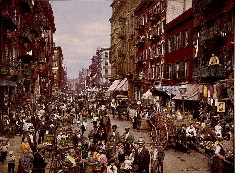 A 1900 photograph of the Lower East Side by muckraking journalist Jacob Riis.