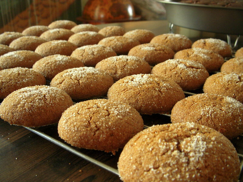 The recipes for funeral biscuits often seems to resemble what we consider ginger snaps.
